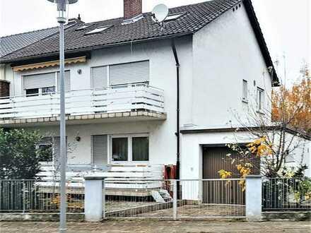 ACHTUNG! Doppelhaushälfte mit zwei Dreizimmerwohnungen und DG Studio , Garten, Garage..