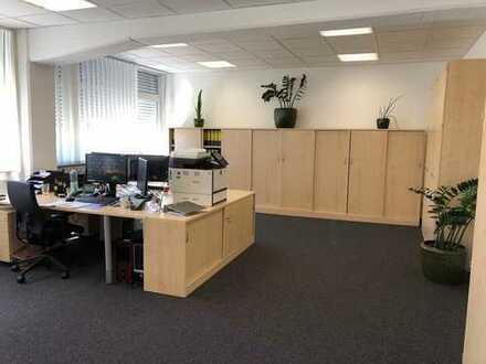 Helle und gepflegte Büroeinheit