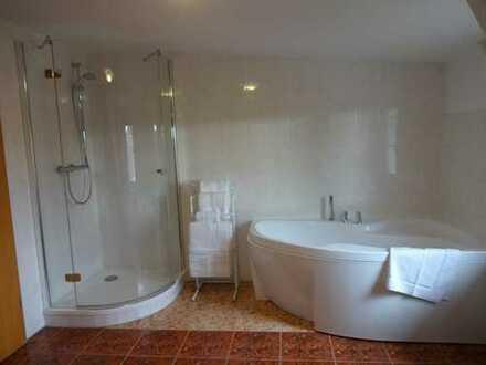 Gemütliche 2-Zimmer-DG-Wohnung möbliert in Werder (Havel)