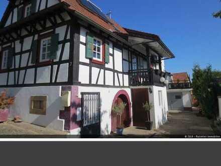 Charmantes, kernsaniertes Fachwerkhaus mit Einliegewohnung mit 122 qm. in Schweigen-Rechtenbach