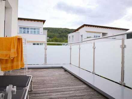 Drei Wohn-Ebenen - Garten - Dachterrasse - Hobbyraum - Garage - Fußbodenheizung im Erdgeschoss...
