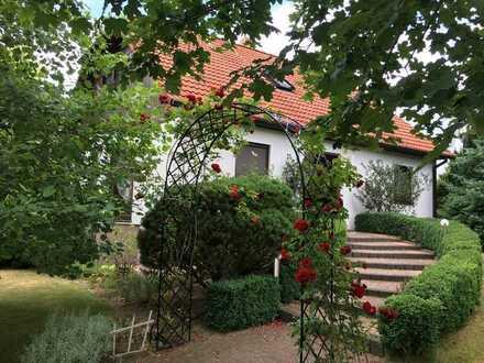gehobenes Anwesen mit großem Garten in Bestlage