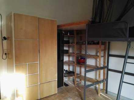 Möbliertes Zimmer (18m²) in 4er-WG ab 01.05. bis Ende September zu vermieten