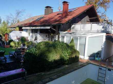 Exklusive DHH in Waldrandlage von Solalinden mit Dachterrasse, Außenpool und Wintergarten