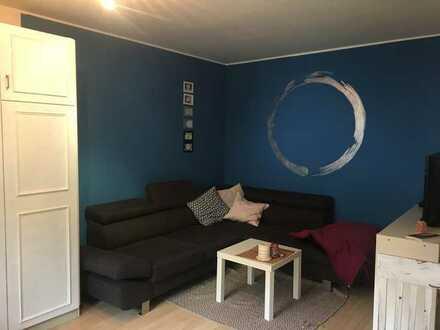 Gepflegte Erdgeschosswohnung mit zwei Zimmern/Terrasse in 94315 Straubing