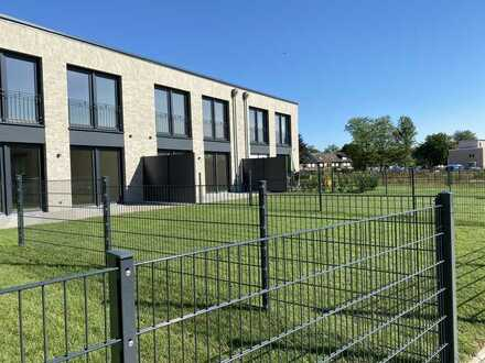 15 Reiheneinfamilienhäuser - Ca. 200 m² Wohn- und Nutzfläche - Terrasse, Stellplatz