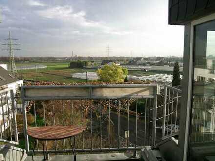 Helle und großzügige Maisonettewohnung in Düsseldorf, Hamm