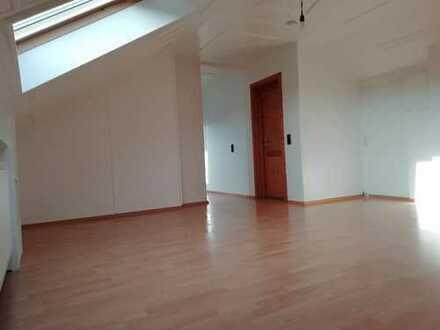 Schöne #2, 5 Zimmer Wohnung im Dachgeschoss# mit EBK in Großostheim