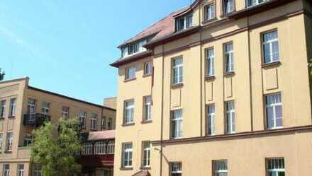 Preiswerte 2-Zimmer-Dachgeschosswohnung in Hockenheim