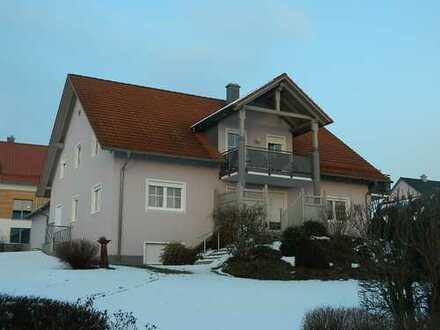 Gepflegte Wohnung mit Balkonen - Gartenanteil und KOSTENLOSER EINBAUKÜCHE