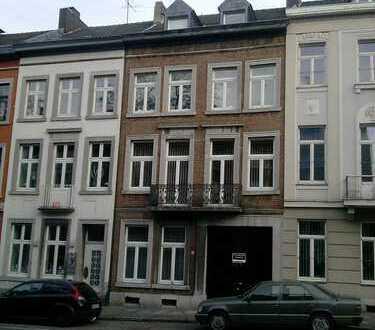 attraktive Büro-/Praxisräume in repräsentativem Haus im EG mit eigenem Hauszugang