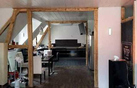 2-Zimmer-Wohnung mit EBK in Stuttgart Obertürkheim