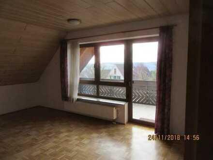 3-Zimmer-DG-Wohnung mit Balkon in Veitshöchheim Gartensiedlung