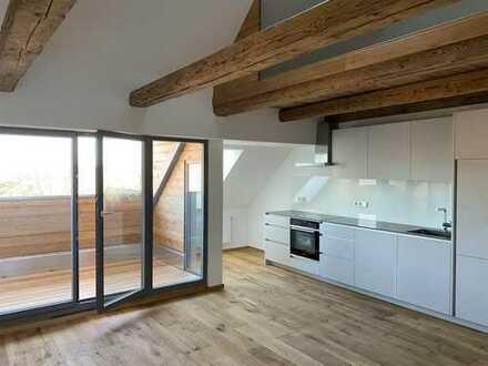 Wohnen mit Flair: 2,5-Zimmer-Wohnung ganz oben mit Galerie und Loggia