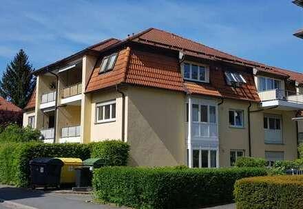Schöne 2- Zimmerwohnung in beliebter Wohnanlage mit Balkon und Tiefgaragenstellplatz