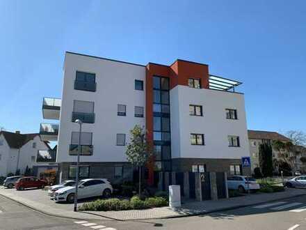 Lichtdurchflutete 3 ZKBB-Wohnung mit großem Sonnenbalkon und Stellplatz