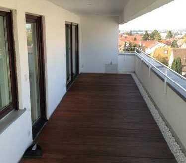 Attraktive, gepflegte 4 Zimmer Penthouse Wohnung mit überdachter Panorama Terasse in gefragter Lage
