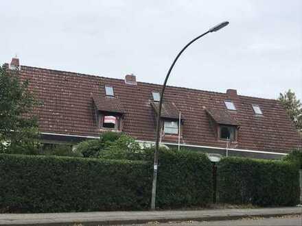 1A Lage in Hausbruch: Reihenhaus modernisiert und bezahlbar!!