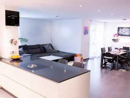 Wunderschöne Exklusive 4 Zimmer Wohnung mit 2 Balkone