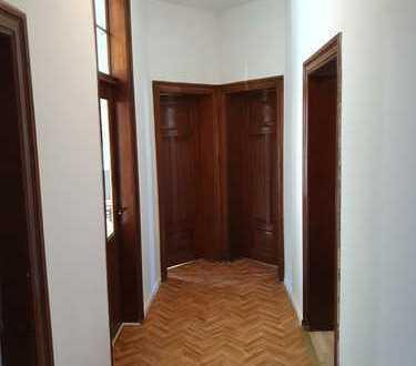 Renovierte 3-Zimmer Altbauwohnung für WG