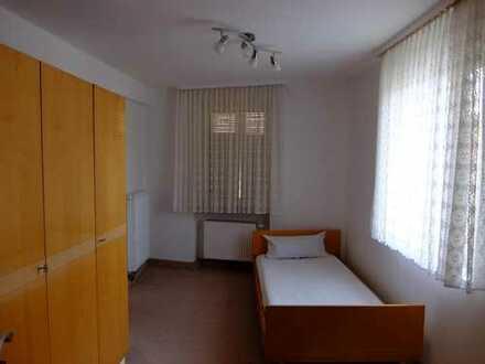 helles Zimmer in 2er Studentinnen-WG