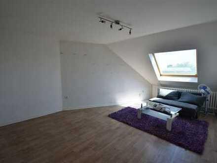 Duisburg-Mittelmeiderich! Lichtdurchflutete 3-Zimmer-Wohnung im DG