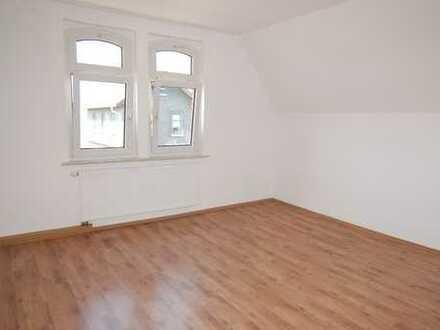 Helle und gemütliche 2-Zimmer-Dachgeschosswohnung in Sonneberg - zentrumsnah