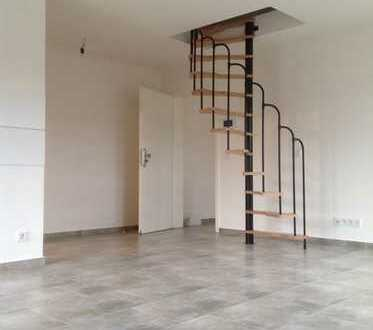 Wiehl Zentrum, moderne Etagenwohnung mit Balkon ab sofort zu vermieten!