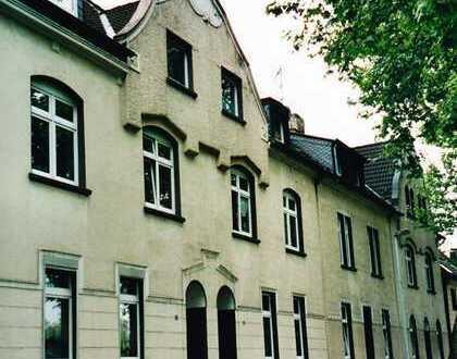 2,5 Zimmer-Wohnung mit ausgebautem Spitzboden im 4 Familien-Jugendstilhaus