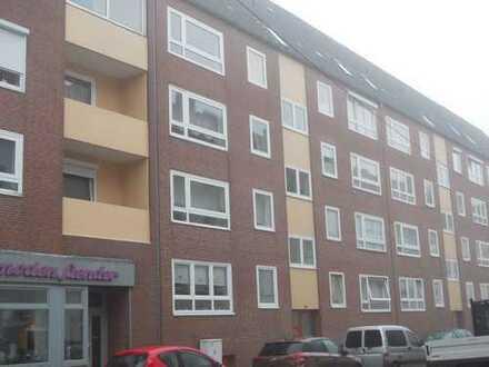 Gut geschnittene 3-Raum-Wohnung mit schönem Balkon in Lehe
