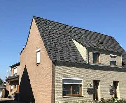 Großzügige Wohnung über 3 Etagen in 2 Familienhaus in Habenhausen