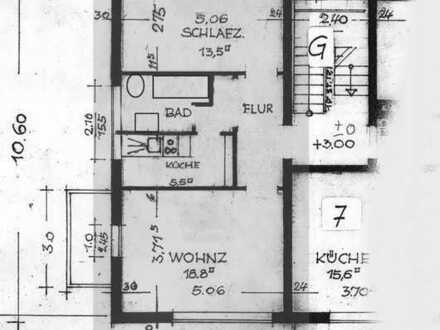 Vollständig renovierte 2-Raum-Wohnung mit Balkon und Einbauküche in Ahorn