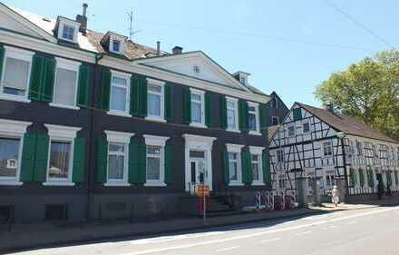 Top Anwesen mit einem 6 Familienhaus und einem weiteren Einfam.-Haus...