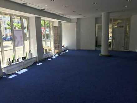 Ladengeschäft mit Büros und Schaufenster in Rastatt neu zu vermieten