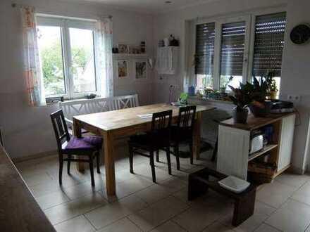 22_HS6393 Liebevoll saniertes Zweifamilienhaus / Burglengenfeld