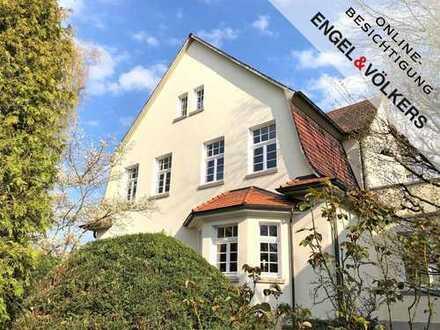 Beletage-Wohnung in stilechter Fabrikantenvilla!