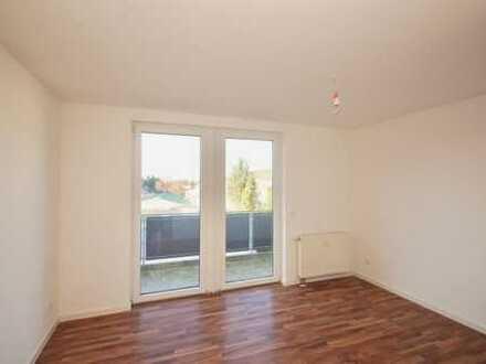 Lichtdurchflutete 3-Zimmer-Wohnung mit großem Balkon. Erstbezug nach Sanierung Holweide