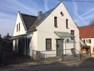 Sehr schönes Architektenhaus mit vier Zimmern in Aichach-Friedberg (Kreis), Kissing