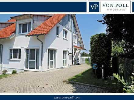 Doppelhaushälfte mit vielen exklusiven Extras und schönem Garten in bester Wohnlage!  Keine zusätzl