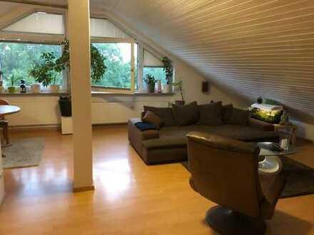 Gepflegte 3-Zimmer-Dachgeschosswohnung mit EBK in Bad Schönborn