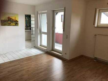 *** Endlich keine Mieterhöhung mehr***Perfekte Wohnung mit EBK, Blk, Garage und Stellplatz.