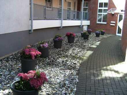 Nur mit WBS-helle gepflegte 48 qm Wohnung mit großem SW Balkon an Senioren