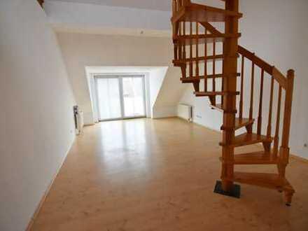 Individuelle Dachgeschoss-Maisonette-Wohnung beliebter Wohnlage!