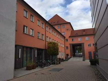 Großzügige Bürofläche im Posthof Regensburg