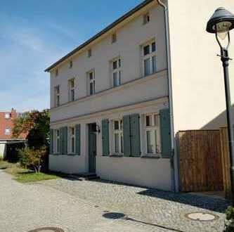 Schönes, geräumiges Haus mit fünf Zimmern in Potsdam, Babelsberg Nord
