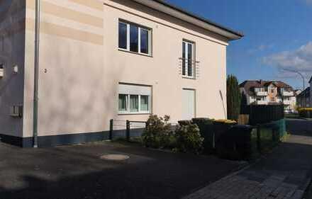 Exklusive, modernisierte 3-Zimmer-Wohnung mit Balkon und Einbauküche in Troisdorf