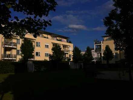 Sehr schöne und sonnige 2-Zimmer-Dachterassenwohnung in Feldkirchen bei München
