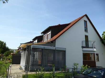 Geräumige Doppelhaushälfte mit Wintergarten, Terrasse und Garten in Söflingen