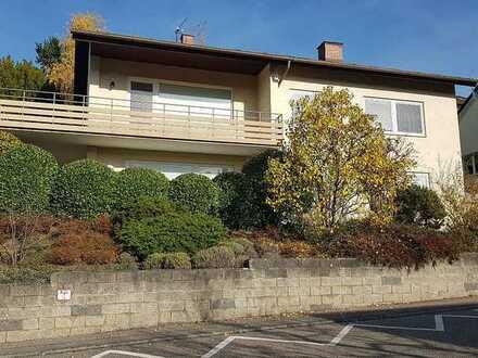 3,5 Zi.-Whg mit Balkon, Terrasse, offenem Kamin und herrlicher Aussicht