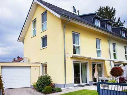 Neuwertiges und komfortables Einfamilienhaus mit Terrasse und Garten-Nähe internationaler Schule